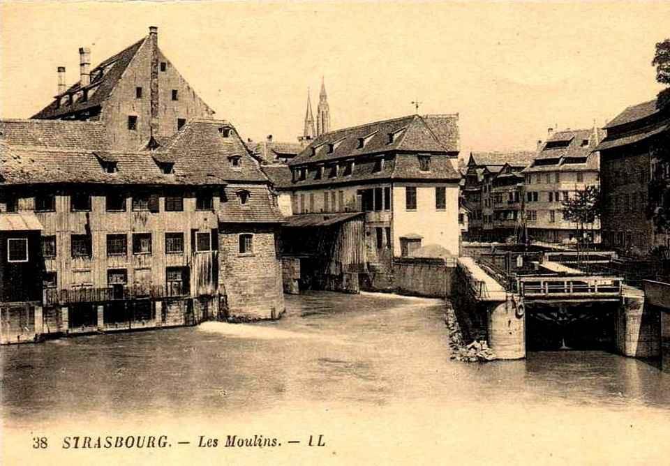 Strasbourg - écluse, moulins et Petite France