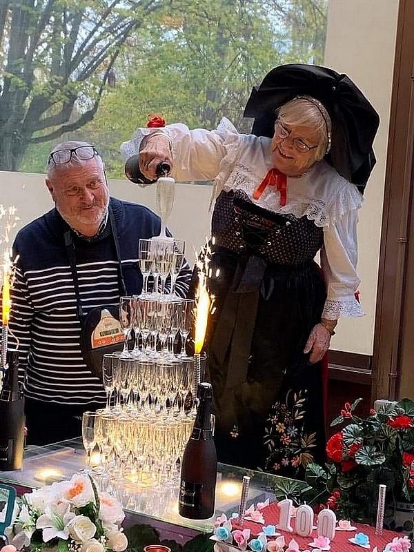 Fête des chapeaux Amicale des Alsaciens et Lorrains de Rueil